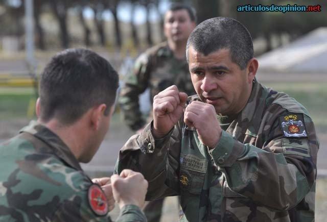 Lucha de soldados