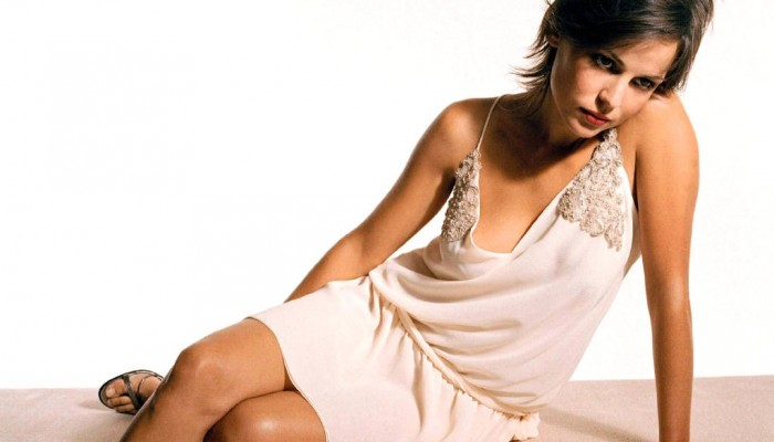Elena Amaya sexy