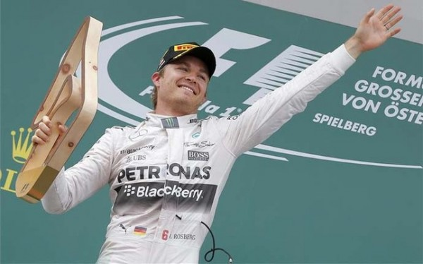 Rosberg gana