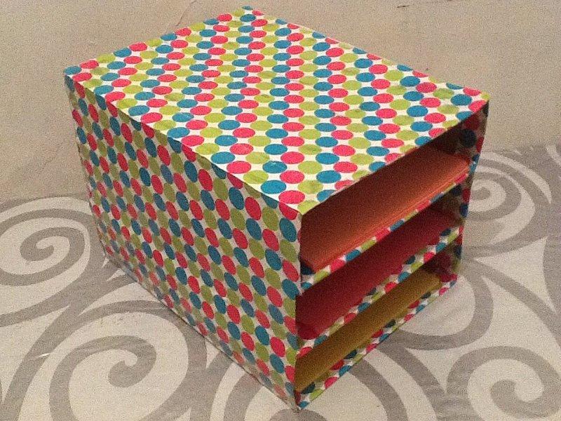 Cómo hacer un organizador de papeles con cartón